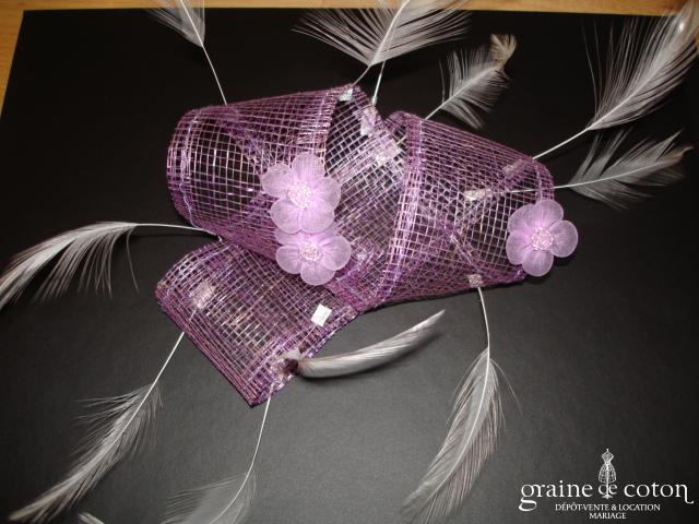 Création Alexia de Paris - Bibi en abaca, fleurs et plumes parme