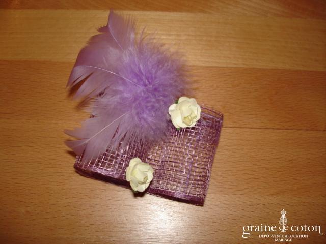 Création Alexia de Paris - Mini bibi en abaca, plumes et petites roses parme