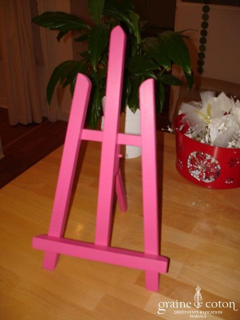 Chevalet de table rose