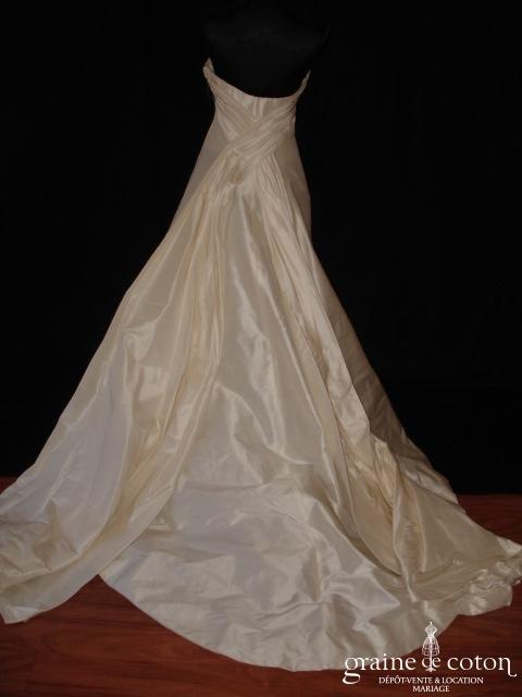 Création à achever - Robe une pièce sirène en soie sauvage ivoire