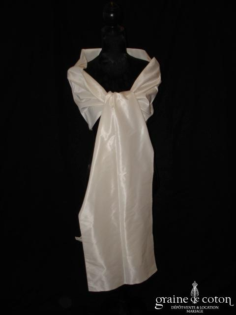 Cymbeline - Étole en taffetas de soie ivoire