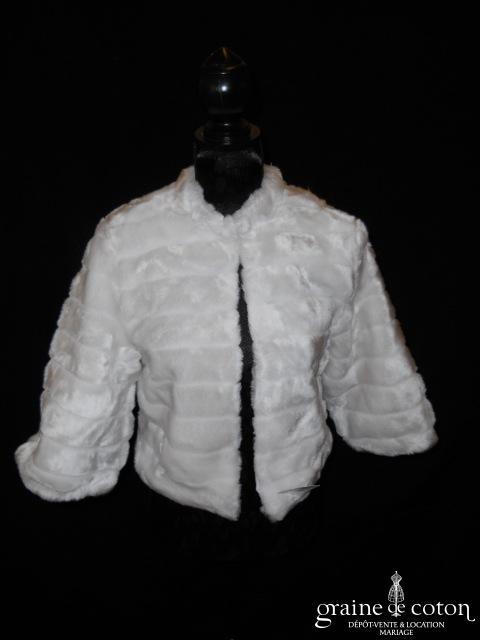 Boléro / manteau en fausse fourrure blanche(manches)