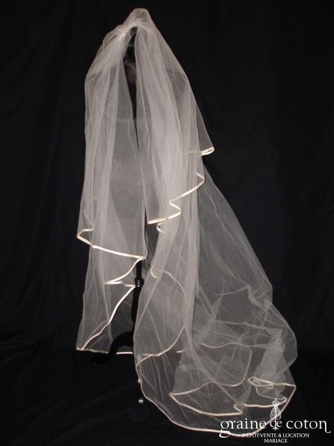 Pronovias - Voile long de 3 mètres en tulle bordé d'un biais de satin