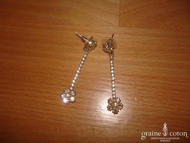 Boucles d'oreille pendantes strass fleur