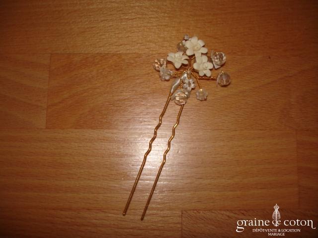 Pic à cheveux petites fleurs ivoires et perles transparentes