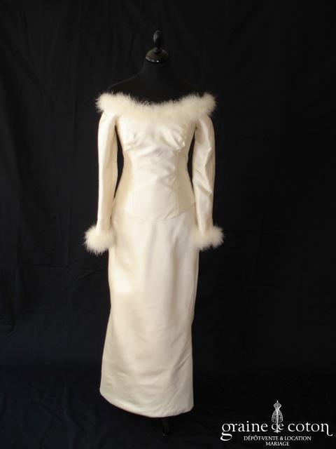 Création - Robe deux pièces en mikado de soie ivoire et plumes de cygne (manches hiver)