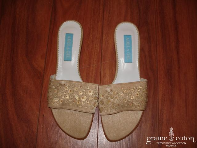 Adela Gil - Mules (chaussures) en satin beige moiré