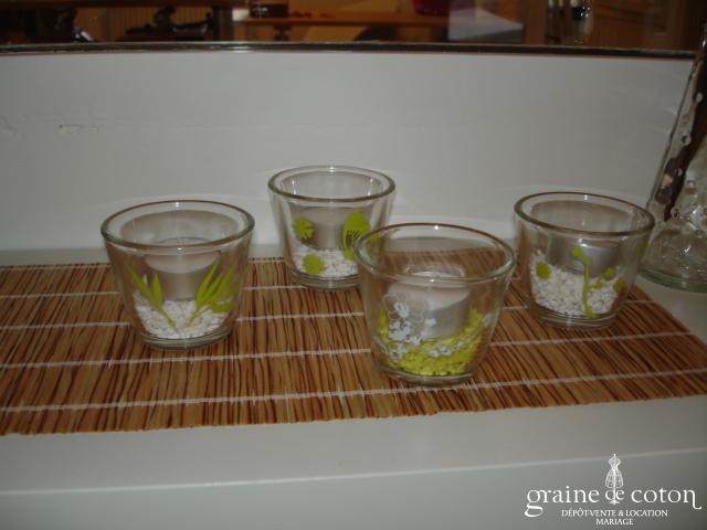 Petit photophore en verre décoré d'un motif blanc ou vert