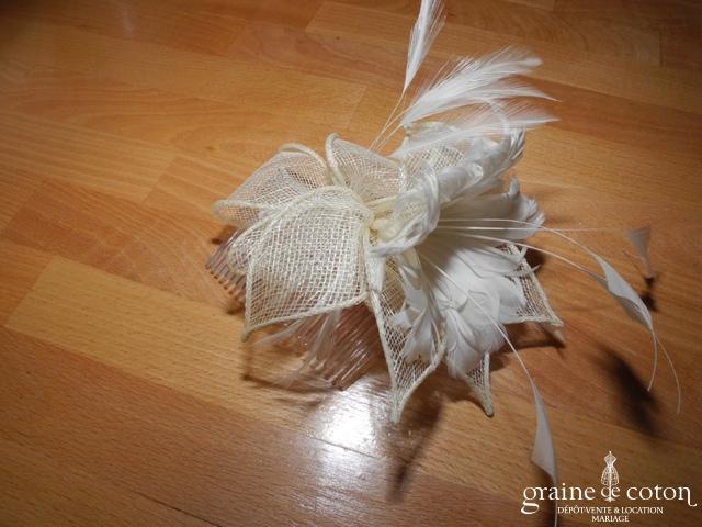Peigne fleur en sisal et plumes