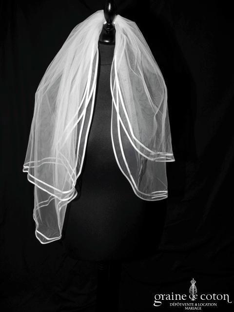 Voile court en tulle blanc bordé d'un double biais de satin (W29)