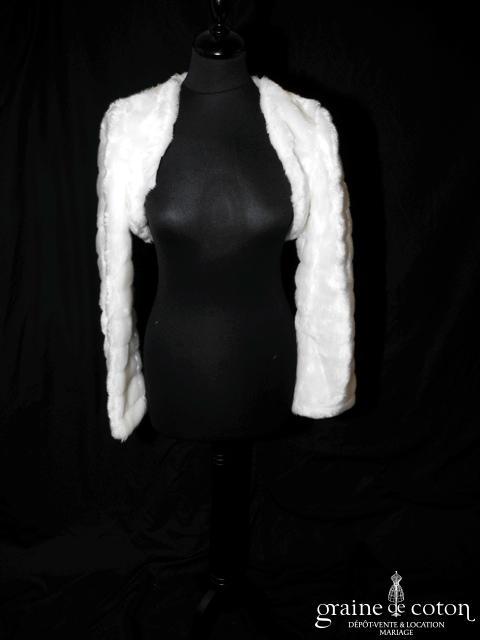 Boléro à manches longues en fausse fourrure ivoire (E27)