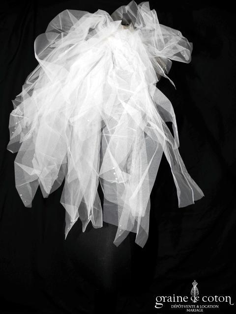 Voile / coiffe courte en tulle ivoire avec cristaux, volumineux (W100)
