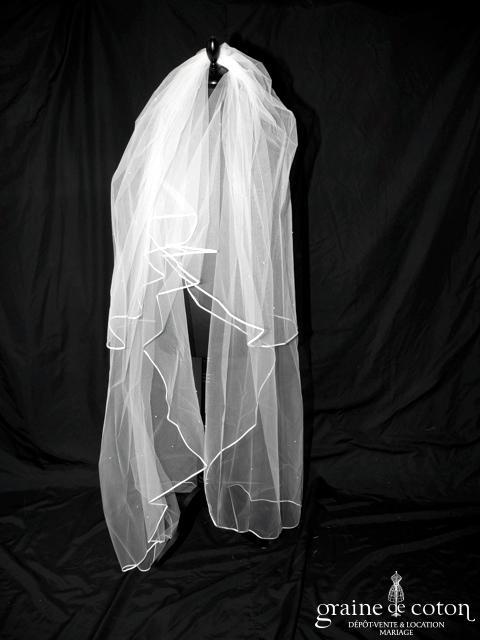 Voile long de 2 mètres en tulle ivoire avec perles nacrées (W62)