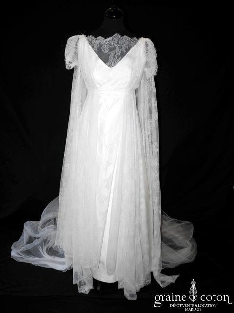 Nathalie Durieux - Robe empire fluide en shantung de soie, gaze de soie et dentelle de Caudry ivoire (bretelles V manches dos boutonné)