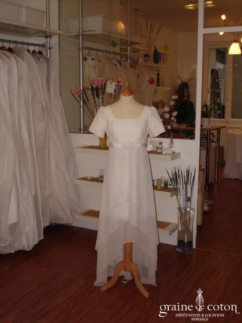 Fontaine - Robe courte blanche dentelle et voile