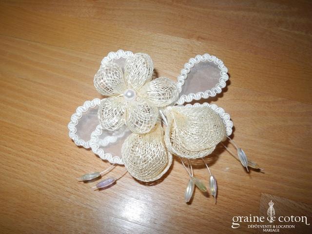 Pronuptia - Fleur en sisal ivoire à piquer dans le chignon