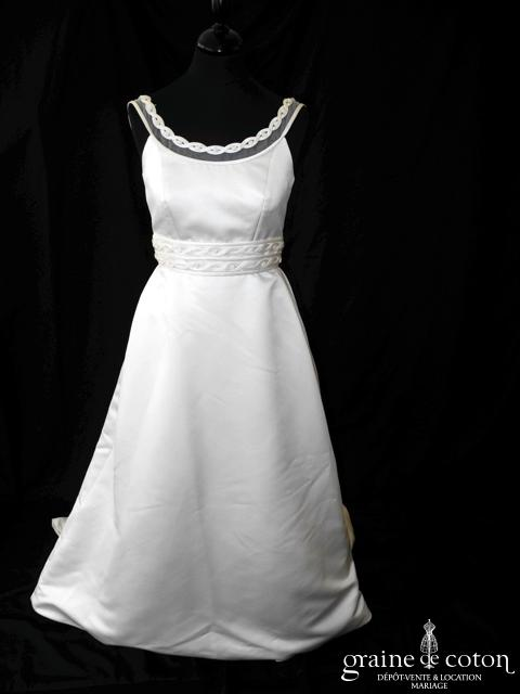 Pronovias - Robe en satin duchesse avec bretelles