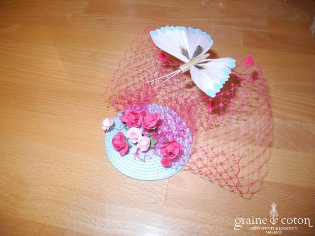 Alexia - Bibi bleu ciel avec voilette fuchsia et papillon bleu ciel