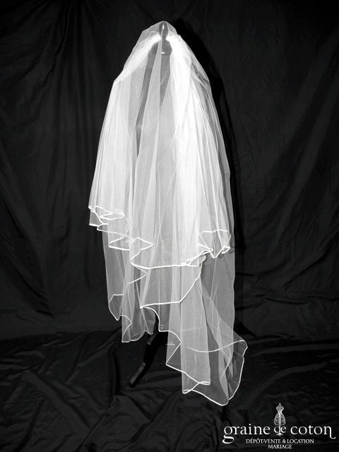 Voile long de 2 mètres en tulle blanc bordé d'un biais de satin (W8)