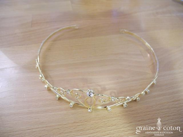 Tiare (diadème) dorée avec strass
