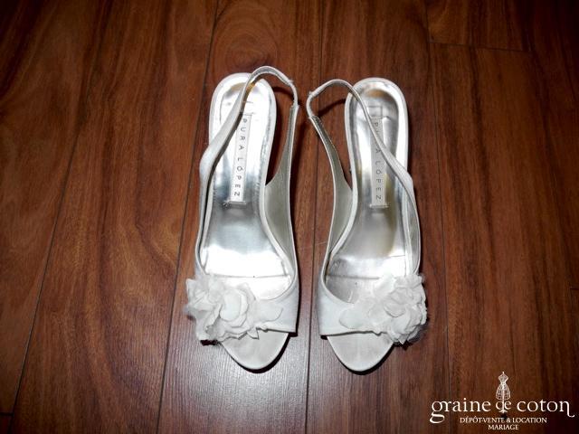 Pura Lopez - Sandales (chaussures) en satin ivoire clair