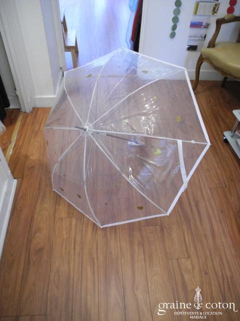 Parapluie transparent avec coeurs dorés