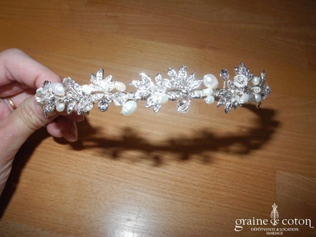 Bianco Evento - Diadème fin / headband en strass, fil argenté et perles ivoires (D41)