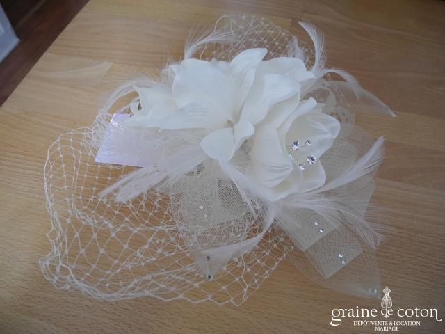 Bianco Evento - Bibi / coiffe / voilette fleur en tissu sisal et strass (D43)