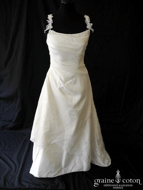 Bella - Robe en taffetas drapé ivoire clair (bretelles dentelle)