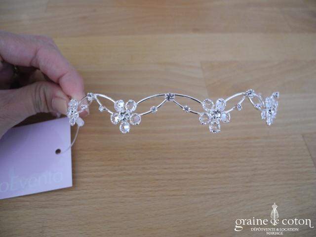 Bianco Evento - Diadème fin / headband en fil argenté et fleurs en perles transparentes (D29)