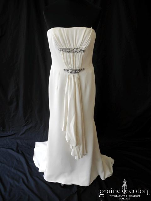 Carolina Herrera - Création en crêpe de soie fluide ivoire (sirène)