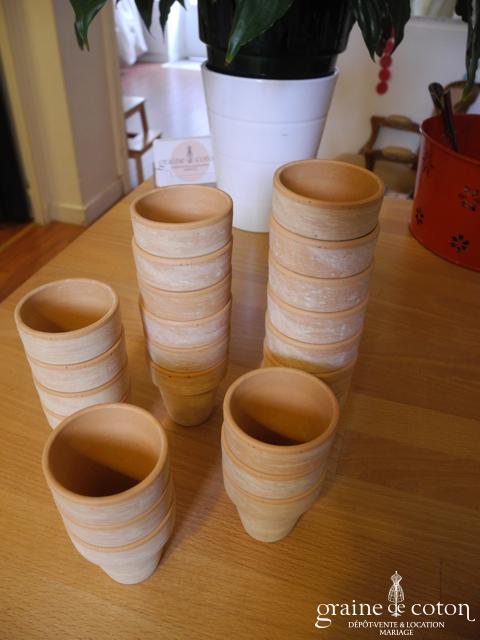 Truffaut - Lot de 23 petits pots en terre cuite