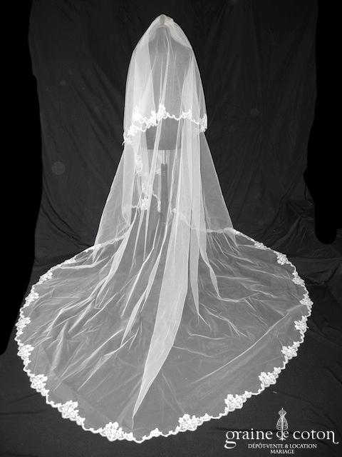 Rosi Strella - Voile blanc long de 4 mètres en tulle blanc bordé de fine dentelle