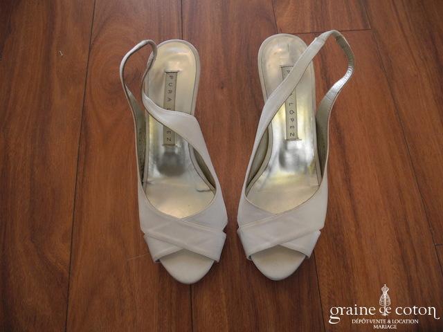 Pura Lopez pour Pronovias -  Sandales Corinne (chaussures) en satin ivoire