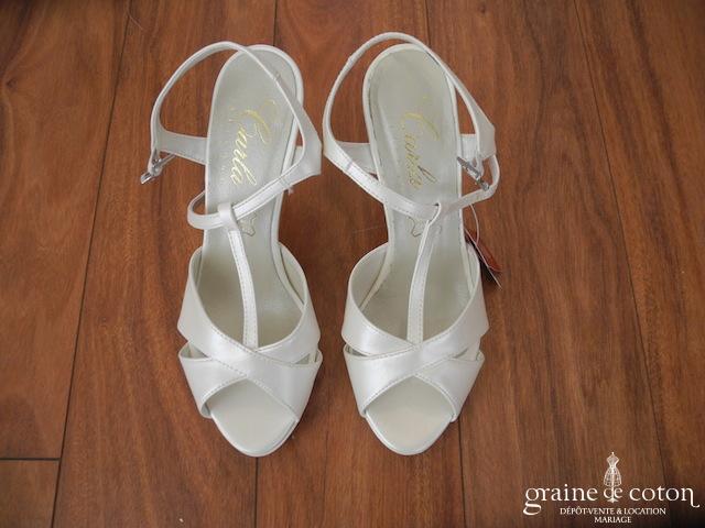 Carla Selvone - Sandales (chaussures) ivoire nacré
