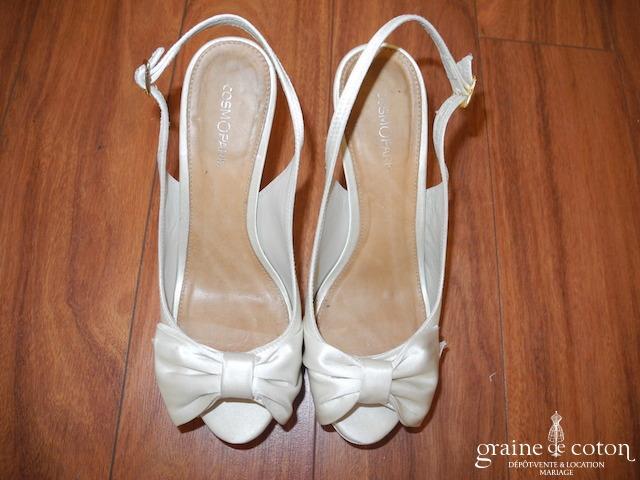 Cosmo Paris - Sandales (chaussures) en satin ivoire avec noeud