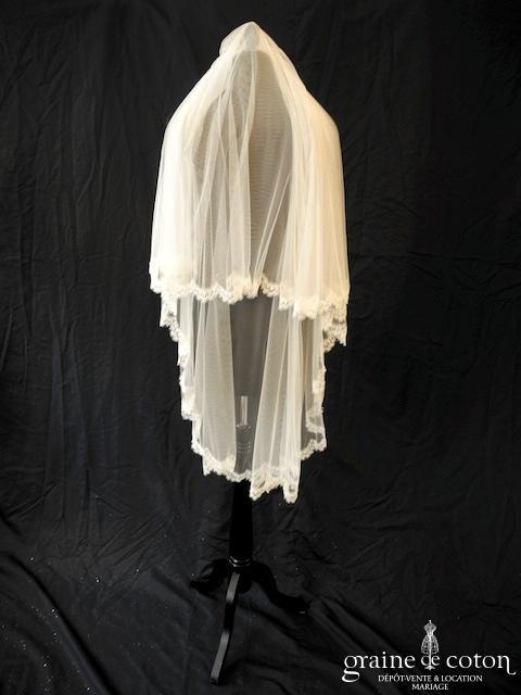 Stéphanie Allin pour Nuit Blanche - Voile mi-long en tulle de soie fluide ivoire clair bordé de fine dentelle