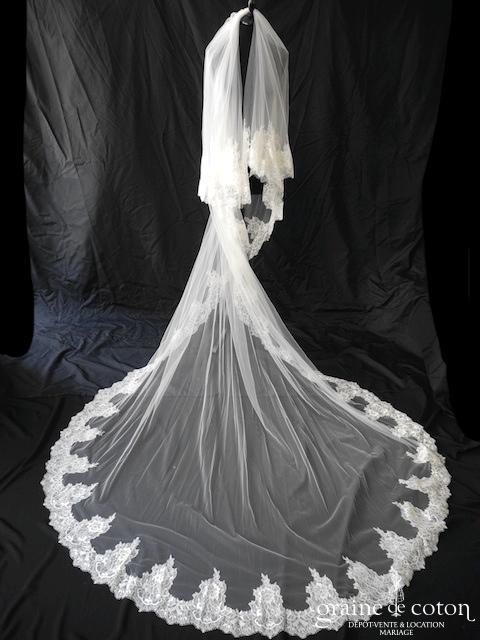 Bianco Evento - Voile long de 3 mètres en soft tulle ivoire bordé de fine dentelle (S171)