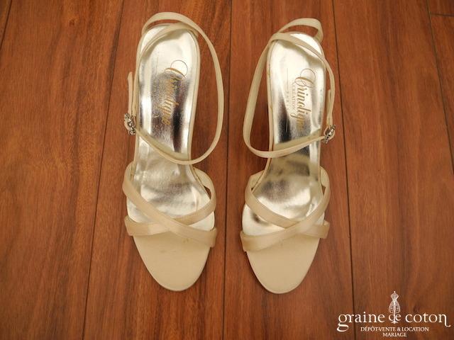 Crinoligne - Sandales (chaussures) Jadis en satin champagne