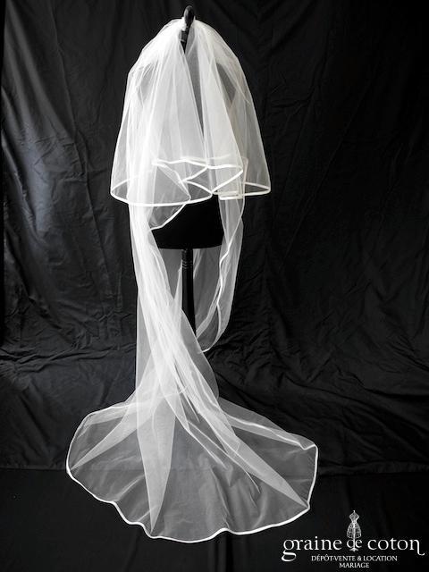 Elianna Moore - Voile long de 2,50 mètres en tulle ivoire clair bordé d'un biais de satin