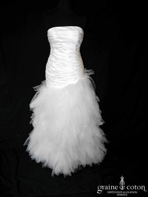 Fan de soie - Création drapée en doupion de soie et mouchoirs de tulle ivoire (taille basse asymétrique bustier)