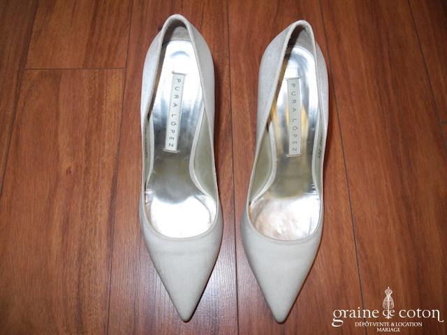 Pura Lopez - Escarpins (chaussures) en satin de soie ivoire