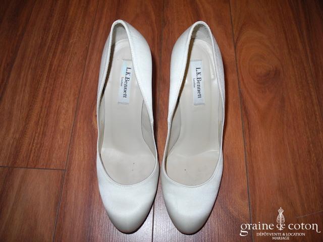 LK Bennett - Escarpins (chaussures) en satin de soie ivoire