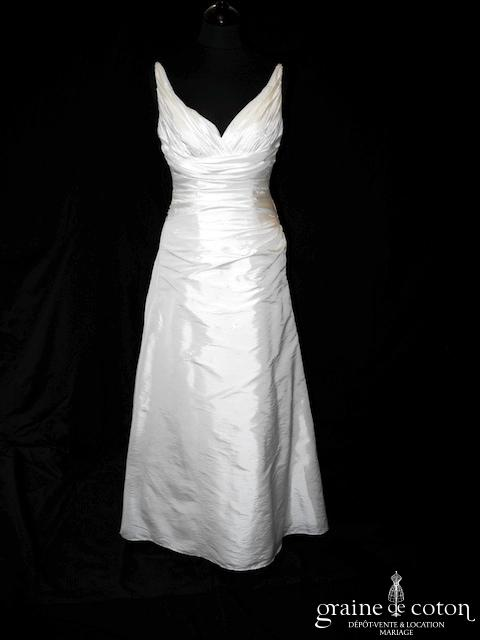 Casablanca Bridal (New York) - 1831 (décolleté-V bretelles drapé taffetas laçage empire dos boutonné)