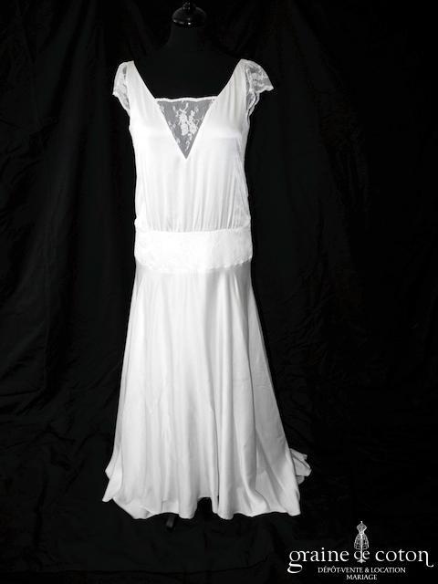 Marie Laporte - Création en satin de soie et dentelle ivoire (bretelles dos-nu dos-V taille-basse dos boutonné fluide bohème)