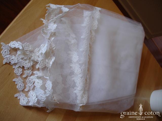 Voile blanc bordé de dentelle - 1,5*3 mètres