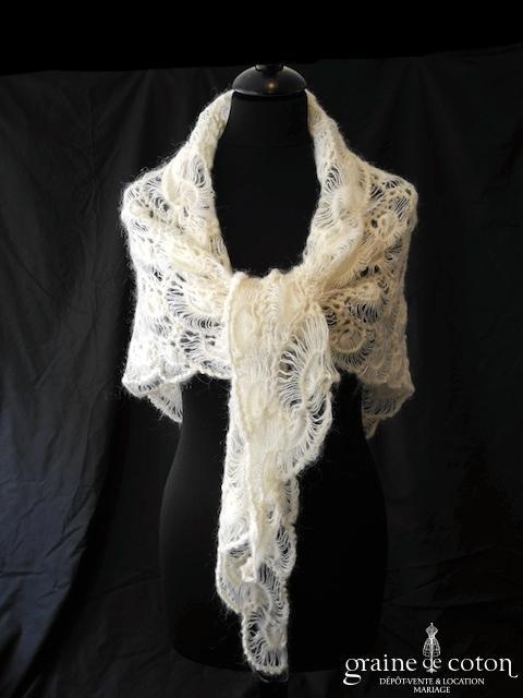 Châle en laine ivoire - fait main