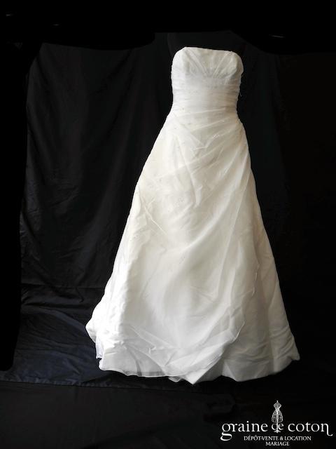 Pronovias - Diva (drapé organza bustier dos boutonné bretelles tour de cou)