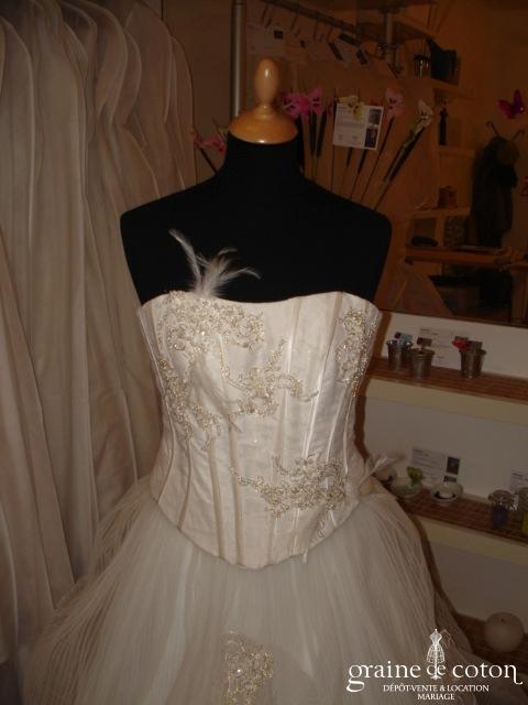 Matrimonia (tulle plissé plumes)