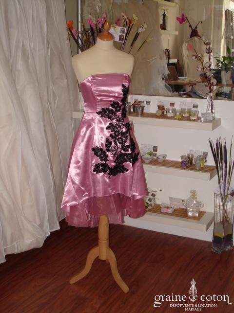 Robe bustier courte satinée rose et noire (non stocké en boutique, essayage sur demande)